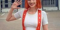 Impressive Leeloo cosplay
