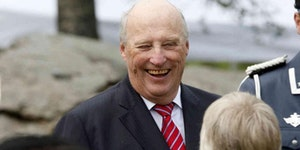 On May 9th King Harald V of Norway is giving away ice cream to everyone who shows up for his 80th birthday party at the royal palace in Oslo.