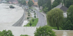 Mobile floodwall in Austria doing its job.