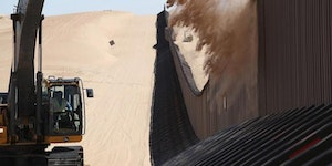 Without daily removal, the US/Mexico border fence in CA would become a sand dune