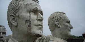 Abandoned busts of US presidents