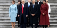 PICTURE OF OUR 6'1'' FORMER PRESIDENT NEXT TO OUR 6'3'' CURRENT PRESIDENT